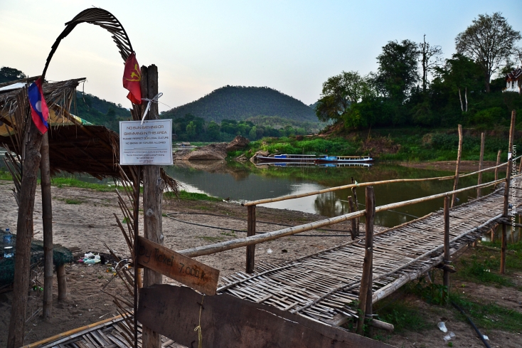 Ponte de Bambu no Rio Mekong