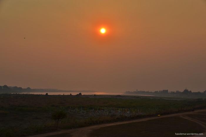 O pôr-do-sol no Laos