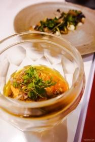 Gema de ovo escalfada com patanisca de batata