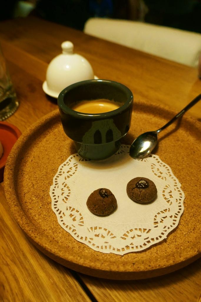 Café com biscoitinhos de alcagoita
